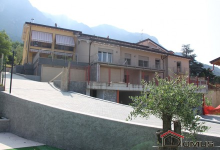 Apartments under costruction in residence with swimming pool in Lierna